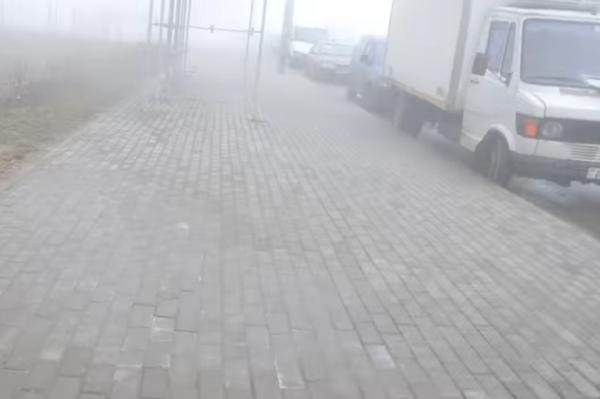 Машины залило кипятком - В Сухарево прорвало трубу с водой
