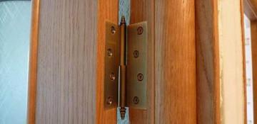 Почему скрипят двери